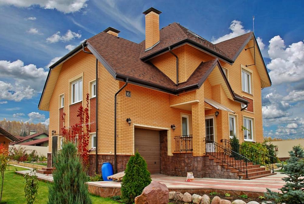 многом зависит фото кирпичных домов реальных правильно